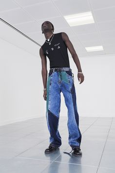 Pictures from Off-White Pre-Fall 2020 Menswear Fashion Collection. Designer Virgil Abloh's Men's Ready-to-Wear collections, runway looks, models, beauty Fashion Show Collection, Winter Collection, Vogue Paris, Off White, Burn Out, Looks Street Style, Looks Vintage, Models, Mannequins