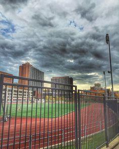 ameetchimote: @uofcincy campus #hottestcollegeinamerica #clouds #cloudporn #cloudscape #cloudstagram #sky #stadium #architecture #campus #campuslife #athletics #stadium #cincinnati #ohio #ohiogram #beohioproud #cincy #wherepigsfly #cincinnatirefined @cincyrefined @beohioproud #unlockcincinnati