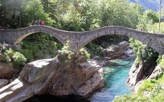 Ponte Dei Salti Across River Verzasca, Lavertezzo, Ticcino, Switzerland Places Ive Been, Places To Visit, Interior Garden, Travel Info, Covered Bridges, All Over The World, Beautiful Landscapes, Switzerland, River