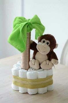 How to Throw An Awesome Baby Shower Party - Baby Diy Shower Party, Baby Shower Parties, Baby Shower Themes, Baby Shower Decorations, Baby Showers, Shower Ideas, Shower Centerpieces, Cadeau Baby Shower, Baby Shower Diapers