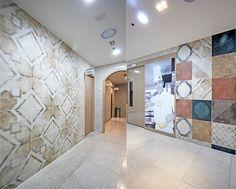 Tile- Sangah's -Anni'70 48x48   #tile #tiles #sangahtile #interior #design #interiordesign #modern #natural #room #상아타일 #모던 #내추럴 #전시장  한국 외식 조리학교에 anni'70이 복도에 시공된 사례랍니다~~^^  바닥에는 DOWNTOWN 으로 스톤느낌의 부드러운질감으로 인기가 좋은 타일이에요~