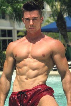 Russian muscle men nude