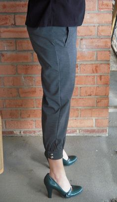Peg-Leg Pant Tutorial « I Heart Jenny's Art  I have the perfect pair of pants to modify for this