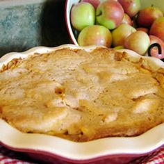 Easy Swedish Apple Pie Recipe - This is a lovely, tart apple pie covered with a sweet, cinnamon crust. Homemade Apple Pies, Apple Pie Recipes, Baking Recipes, Crustless Apple Pie Recipe, Fall Recipes, Apple Desserts, Köstliche Desserts, Dessert Recipes, Swedish Apple Pie