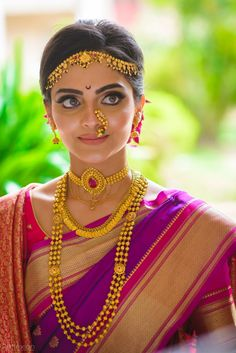 Beautiful South Indian Bride in full bridal look wearing traditional Indian jewellery. South Indian Bride Jewellery, Traditional Indian Jewellery, Indian Wedding Jewelry, Indian Jewellery Design, Bridal Jewelry, Gold Jewellery, Bride Indian, South Indian Bride Saree, South Indian Bride Hairstyle