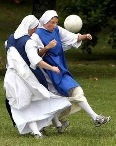 @sophiebassi see looks so much better than nuns playing basketball haha ;)