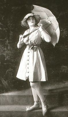 Designs of Lucile, Lady Duff-Gordon 1916 bathing dress