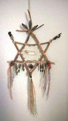 of David combined with an Indian dream catcher.Star of David combined with an Indian dream catcher. Nature Crafts, Fun Crafts, Diy And Crafts, Arts And Crafts, Los Dreamcatchers, Dream Catcher Craft, Homemade Dream Catchers, Making Dream Catchers, Dream Catcher Mobile