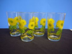 Retro Daisy Floral Juice Glasses Set of 4