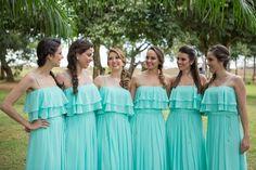 Bridemaid Dresses | Foto com as Madrinhas | Casamento | Wedding | Casamento ao ar livre | Madrinha de Casamento | Vestido de Madrinha | Bridemaid | Madrinhas de Azul | Madrinhas com Vestido da mesa Cor | Inesquecível Casamento | Outside Wedding