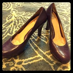 Burgundy heels These are sooo comfy! Only worn a few times. Nurture Shoes Heels