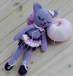 New Toys, Free Pattern, Dinosaur Stuffed Animal, Kitten, Winter Hats, Creative, Bari, Amigurumi Minta, Crochet Cats