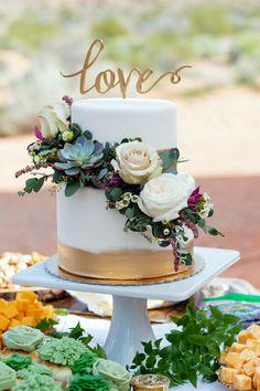Wedding Cakes One Tier, Creative Wedding Cakes, Small Wedding Cakes, Wedding Cakes With Cupcakes, Wedding Cake Designs, Wedding Cake Toppers, White And Gold Wedding Cake, Ivory Wedding Cake, Wedding Cake Roses