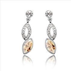 $9,63 Power of seduction Swarovski crystal earring Yohanna Jewelry Wholesale.  BEST PRICE: Directly in the jewelry factory. VAT-free shopping: Available, partners based in the European Union, only applies to EU tax identification number (UID). Exclusive design SWAROVSKI crystals and AAA Zircon crystal jewelry and men's stainless steel jewelry and high-quality stainless steel jewelry for couples sell in bulk to resellers! Please contact us.
