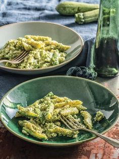 Penne with courgette, feta and dill pesto Pasta With Dill, Eat The Rainbow, Penne, Green Beans, Feta, Risotto, Vegan Recipes, Vegetarian, Meals