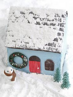 Make a Cape Cod-Style Gingerbread House>>  http://www.hgtv.com/handmade/make-a-cape-cod-gingerbread-house/index.html?soc=pinterest