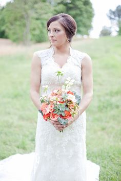 Bridal bouquet by Virtu Floral design/Photography by Three Pennies.