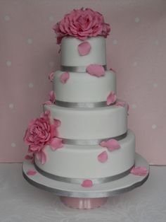 Blush roses wedding cake