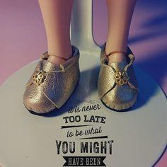#fbn #muñeca #dolly #doll #nancyfamosa #madeinspain #dollshoes #leather #muñeca #doll #nancy #bigeyesdoll #boutiquedenancy #nancydefamosa #seventies #dollcollector #famosatoys #lesly #lukas #zapatospepes #pepes #handmade #lasmuñecasdefamosa #instadoll #blythe  #laboutiquedeblythe