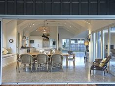 Matarangi Holiday Home accommodation. Matarangi Beach Retreat (Bachcare)