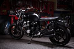 Jerikan Honda CB750 ~ Return of the Cafe Racers