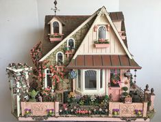 miniature dolls My Miniature Madness: Growing A Cottage Garden Part 9 Victorian Dollhouse, Diy Dollhouse, Dollhouse Miniatures, Modern Dollhouse, Miniature Rooms, Miniature Houses, Casas The Sims 4, Doll House Plans, Storybook Cottage