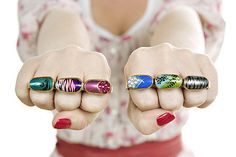 "Artist Islay Taylor was inspired to create these acrylic nails knuckle dusters after listening to rapper Kid Sister's song ""Pro Nails. Latest Nail Designs, Cool Nail Designs, Ring Designs, Nail Jewelry, Beaded Jewelry, Jewelry Box, Diy Jewellery, Jewelry Ideas, Jewelry Accessories"