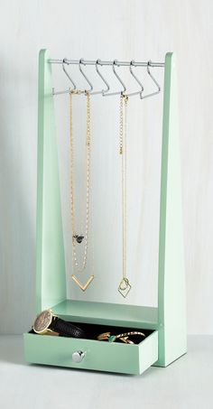 mint jewelry stand