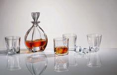 Tại Việt Nam, rượu whisky đã trở nên quen thuộc và trở thành một nét văn hóa đẳng cấp sang trọng. Nói đến whisky người ta sẽ nghĩ ngay đến thế giới hoa lệ, màu sắc và đam mê… http://www.ruoungoaixachtay.vn/van-hoa-ruou-whisky-tai-viet-nam/