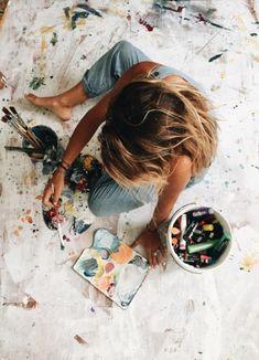 Canvas artist aesthetic, artist life, artist at work, art studios, drawings Artist Life, Artist At Work, Girl Artist, Art Girl, Kreative Portraits, Artist Aesthetic, Aesthetic Painting, Book Aesthetic, Aesthetic Girl