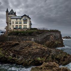 Biarritz, France (by Julio López Saguar)