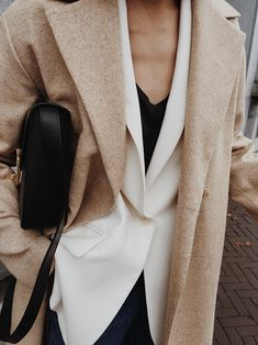 Fashion Tips For Women Capsule Wardrobe and Fashion Trends Forecasting. Layering Outfits, Trendy Outfits, Fashion Outfits, Fashion Tips, Fashion Trends, Fashion Websites, Blazer Fashion, Fashion Online, Fashion 2018