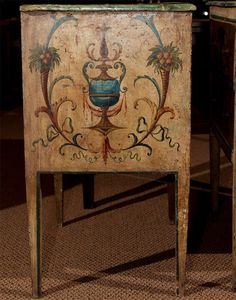 Pair of Italian 18th Century Painted Commodes image 8
