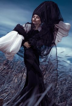 Photographer:Ekaterina Belinskaya Stylist/Designer: Alisa Gagarina Model: Elena Mitinskaya