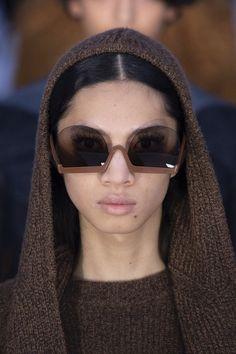 Courreges at Paris Fashion Week Fall 2019 - Details Runway Photos Stylish Sunglasses, Sunglasses Women, Vintage Sunglasses, Jean Paul Gaultier, Look Fashion, Paris Fashion, Fall Fashion, Best Leather Wallet, Fashion Eye Glasses