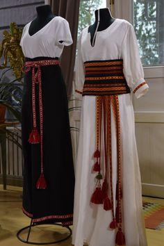 Sofia Sandin-Andersson on ommellut vaatteet ja Anna Nordström on kutonut nauhat. Weaving, Anna, Handmade Items, Belts, Skirts, Inspiration, Clothes, Crafts, Fashion
