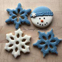 Babies First Christmas. Fancy Cookies, Vintage Cookies, Custom Cookies, Holiday Cookies, Cookie Frosting, Royal Icing Cookies, Sugar Cookies, Christmas Eve Service, Snowflake Cookies