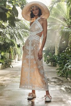 Zimmermann Resort 2019 Fashion Show Collection Pink Fashion, Couture Fashion, New Fashion, Trendy Fashion, Fashion Dresses, Fashion 2016, Maxi Dresses, Cheap Boutique Clothing, Womens Clothing Stores