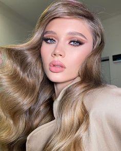 """3,330 mentions J'aime, 21 commentaires - PONIROMA® (@poniroma) sur Instagram: """"💞💞💞НОВЫЙ КУРС 💞💞💞⠀ ⠀ Всем привет 👋🏻⠀ Рад сообщить, что я решил организовать ещё одну волну 🏊🏻 3-х…"""" Make Your Own Makeup, Make Makeup, Makeup Tips, Beauty Makeup, Makeup Looks, Makeup Style, Makeup Ideas, Makeup Before And After, Holiday Makeup"""