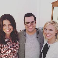 Pin for Later: Kristen Bell, Idina Menzel, and Josh Gad Reunite at a Charity Event, Sadly Don't Build Any Snowmen