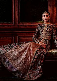 I just found out amazing Bridal Sabyasachi Lehenga Prices from his 2019 and 2018 collection. Check out 29 lehenga prices and gorgeous real bride pictures. Jacket Lehenga, Lehenga Choli, Anarkali, Indian Attire, Indian Wear, Indian Dresses, Indian Outfits, Indian Clothes, Desi Clothes