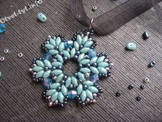 подвеска из супердуо и биконусов_28 Will this pattern work with sizes 11/0 and 15/0 seed beads instead of 10/0 and 13/0? Hmmm.