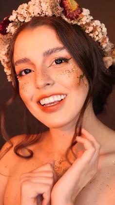 Ya sea que tengas una fiesta o simplemente ganas de divertirte y practicar en tu habitación, este maquillaje mágico te transformará en la ninfa más bella de todas. Make Up Videos, Hair Videos, Hair Color Dark, Blonde Color, Make Up Looks, Lemy Beauty, Alternative Makeup, Creative Makeup Looks, Cute Makeup Looks