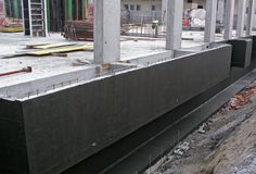 Если нужна гидроизоляция подвала, значит, подвальное помещение будет использовать полностью. Гидроизоляционные работы сделают его сухим и удобным.