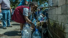 Cape Town Slashes Daily Water Allowance But Pushes Back 'Day Zero' Fleet Week, Water Scarcity, Daily Water, Water Management, Back Day, Science, New York Street, Health And Wellbeing, Global Warming
