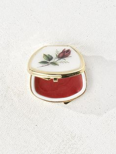 Cosmetic Packaging, Beauty Packaging, Cosmetic Pouch, Red Aesthetic, Aesthetic Makeup, Vintage Makeup, Vintage Beauty, Skin Makeup, Beauty Makeup