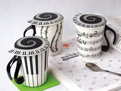 Music-Coffee-Cups...i HAVE one of these!