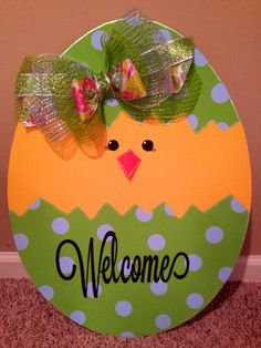 DIY Wooden Easter Signs and Decorations Easter Arts And Crafts, Easter Projects, Spring Crafts, Holiday Crafts, Diy Osterschmuck, Easy Diy, Diy Ostern, Easter Colors, Diy Easter Decorations