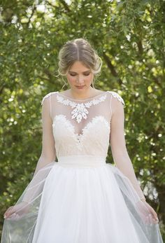 'Noemi'- bohemian vintage inspired wedding dress by Petite Lumiere. Stunning see-through back detail, sleeved weeding dress