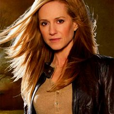 Holly Hunter Talks 'Batman V Superman'; Confirms Scenes With Henry Cavill Superman Cast, 60 Year Old Woman, Intelligent Women, Mary Sue, Saved By Grace, Batman And Superman, Petite Women, Hollywood Stars, Fine Hair